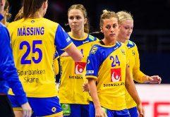 Fyra grupper om fyra lag har kvalificerat sig till slutspelet i Hanbolls  EM. De tre främsta i gruppspelet går vidare till mellanrundan. c730ac31366c9